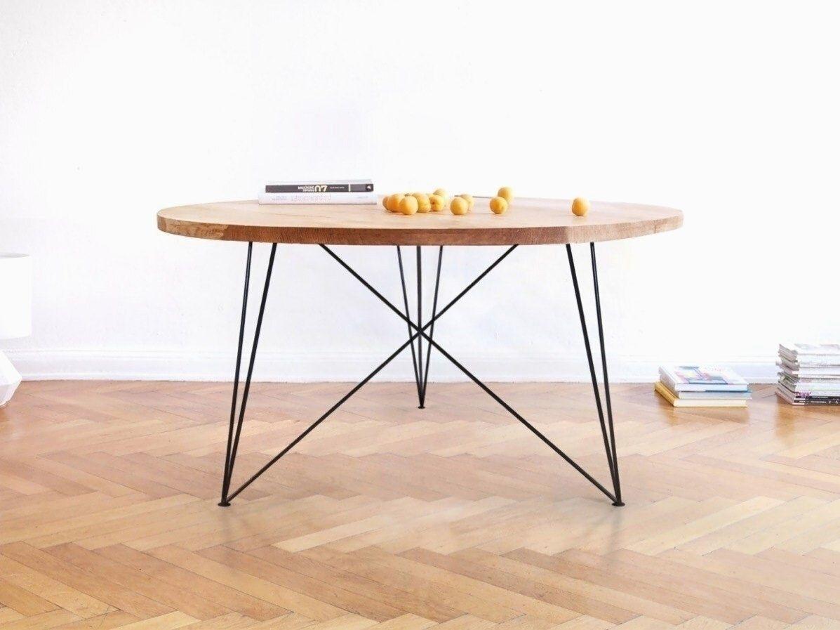 Table A Manger Ronde En Chene Massif Et Structure En Acier De Differentes Tailles En 2020 Table A Manger Ronde Table Ronde Bois Table Ronde Cuisine