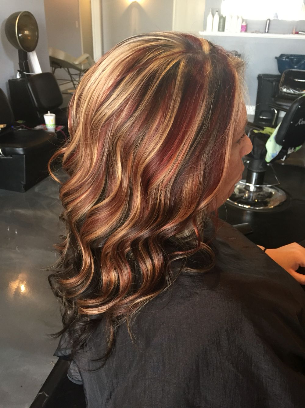 Dark Brown Underneath With White Blonde Highlights And Dark Brown Low Lights With Fire Hot Red Slices And Chun Blonde Color Brown Blonde Hair Blonde Hair Color