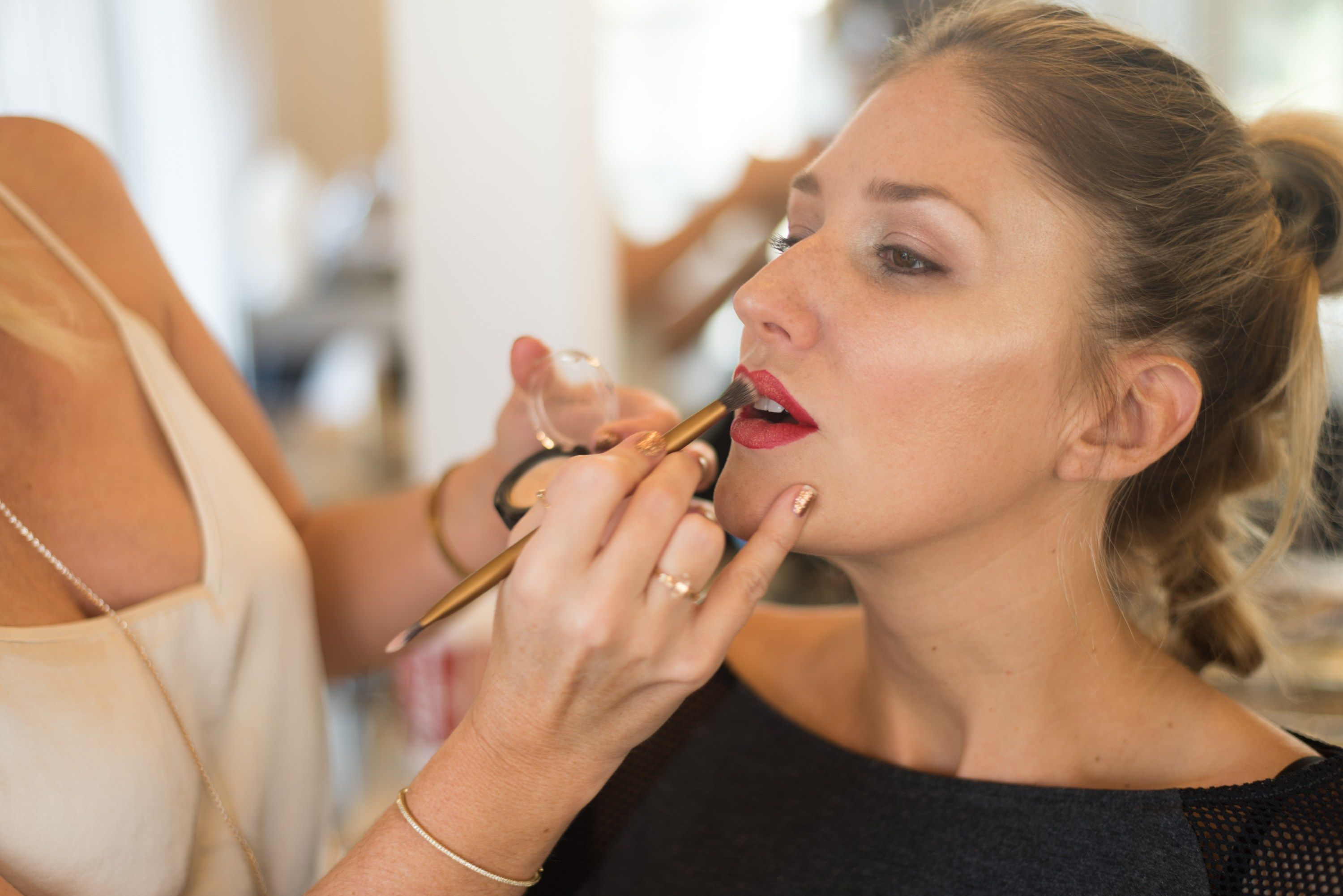 Highlighting a red lip how-to