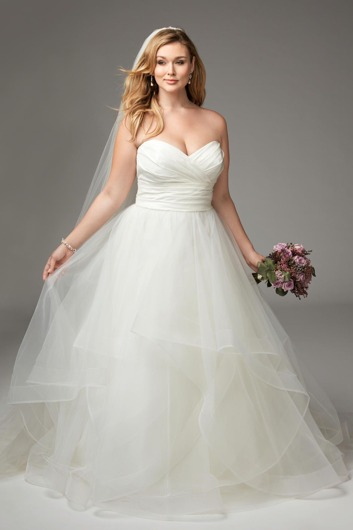This Wtoo 14430 Selena A Line Plus Size Bridal Dress Offers A Pleated Sweetheart Bodice In Plus Size Bridal Dresses Plus Size Wedding Wedding Dresses Plus Size [ 1800 x 1200 Pixel ]