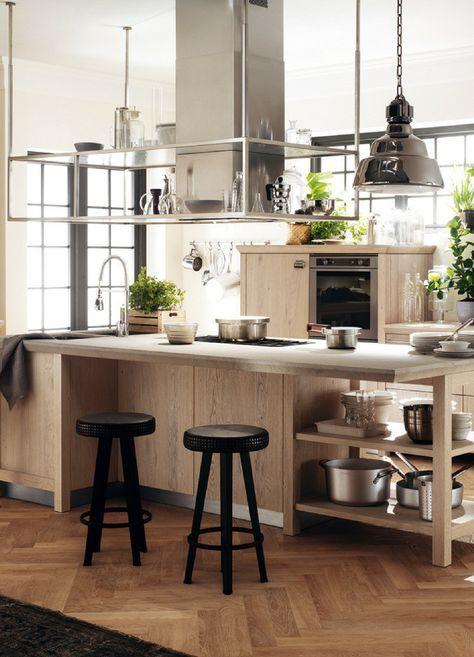 Schlichte Holz-Küche mit Kochinsel in modernem Design Kitchens and