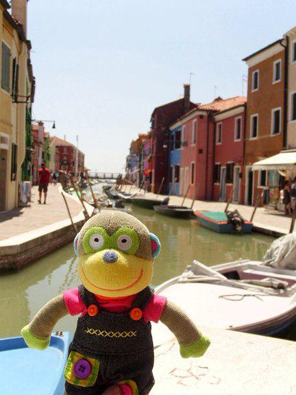 En Burano! Famoso por sus multicoloridas casas! Venecia, Italia