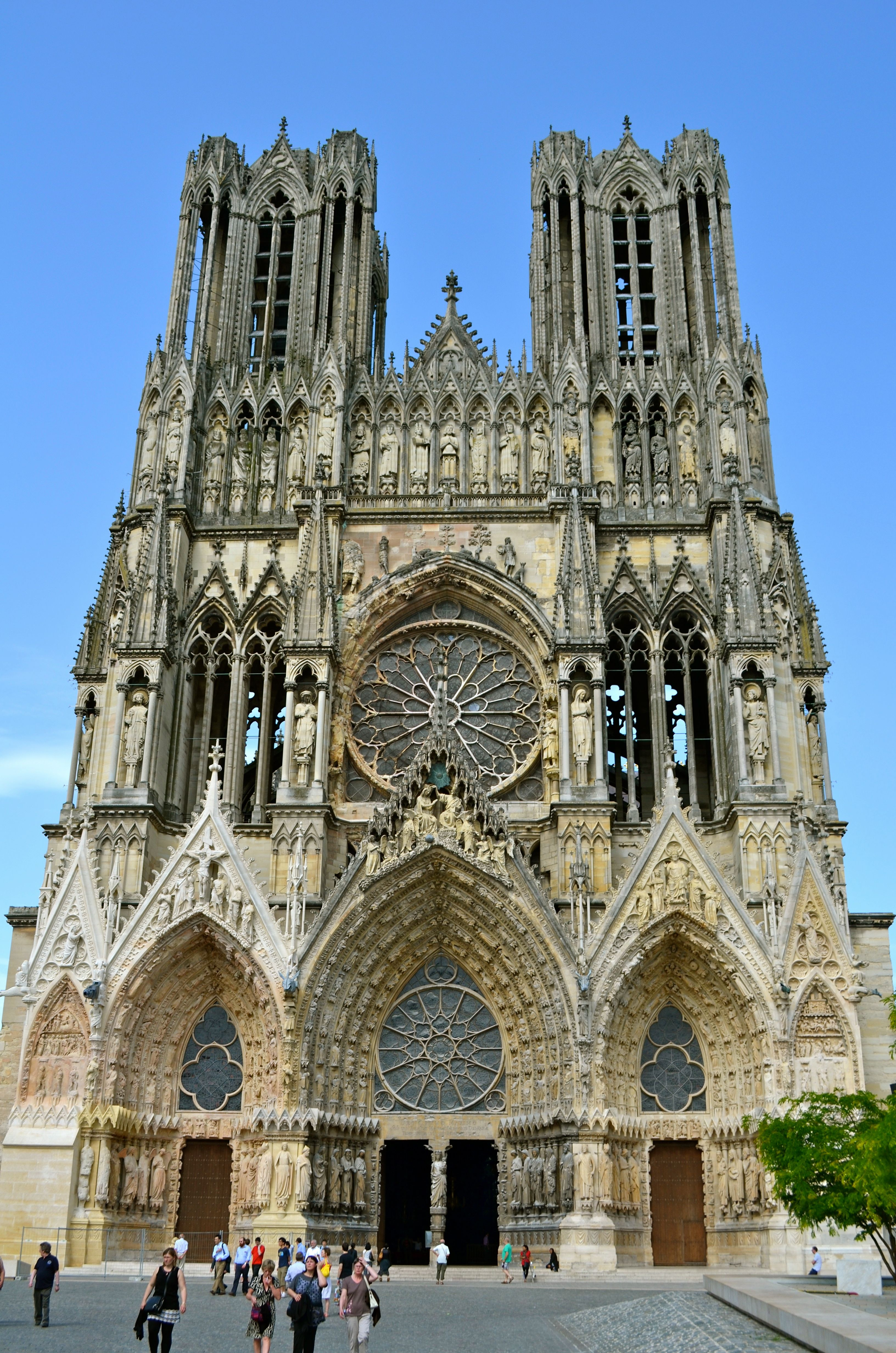 later french gothic reims cathedral france notre dame of reims was the site of the coronation. Black Bedroom Furniture Sets. Home Design Ideas