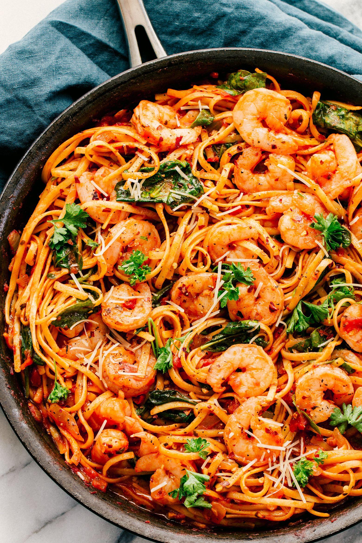 Creamy Garlic Shrimp Pasta | The Food Cafe