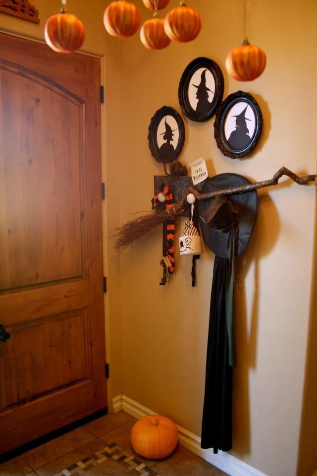 Witch Entryway Halloween Decor Love this! #fall #autumn - halloween decorations witch