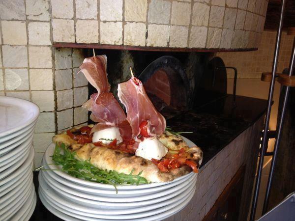 "The Neapolitan Pizza ""America's Cup"""
