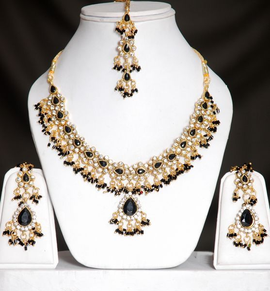 black and gold jewelry Jewelry Pinterest Gold jewellery Gold