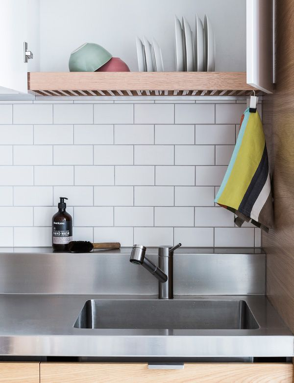 Captivating Over Sink Drying Rack, Hidden Behind A Cupboard Door. BRILLIANT!