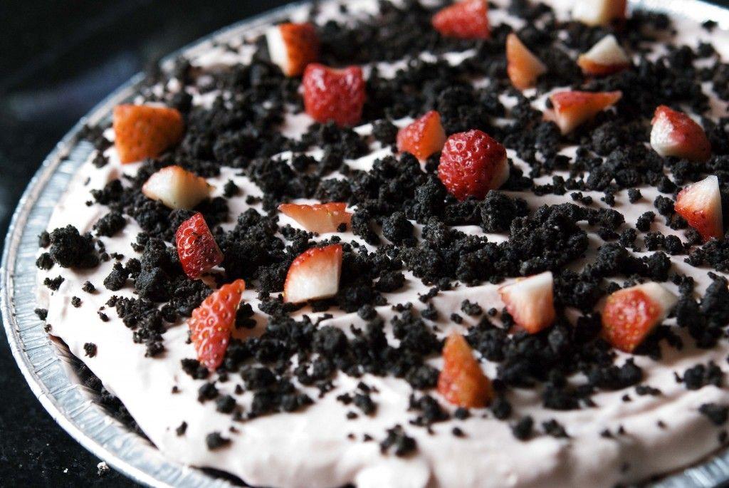 Creamy no-bake strawberry pie in oreo crust | EAT: pie ...