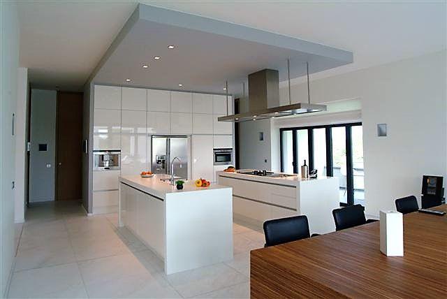 Eetkamer Keuken Open : Open moderne keuken met keukeneiland. keukeninspiratie. keuken