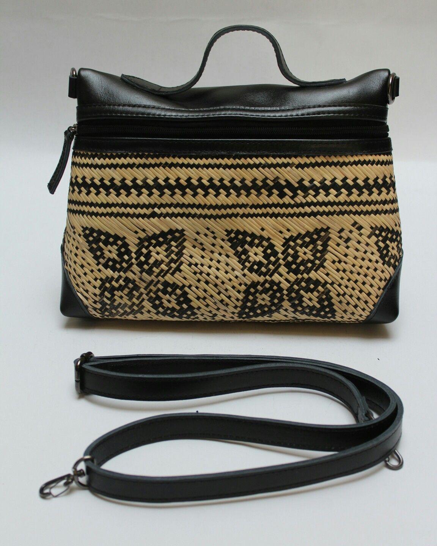 Rhabags Order Whatsapp 6281310037425 Rattan Handbags And Clutches Tas Tasrotan Rotan Decoupage Decoupagematerial Taskulit Leat Tas Tas Pesta Tas Kulit
