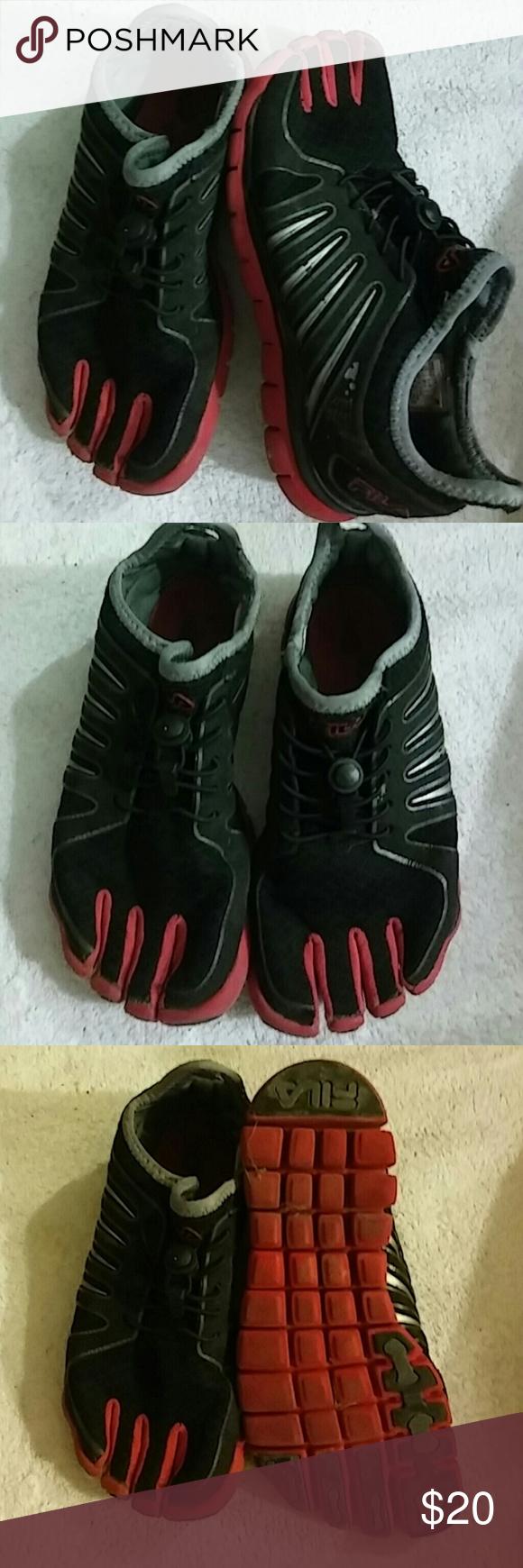 Fila Toe Shoes Sz 3.5 M Girls Preowned Fila Shoes Sneakers