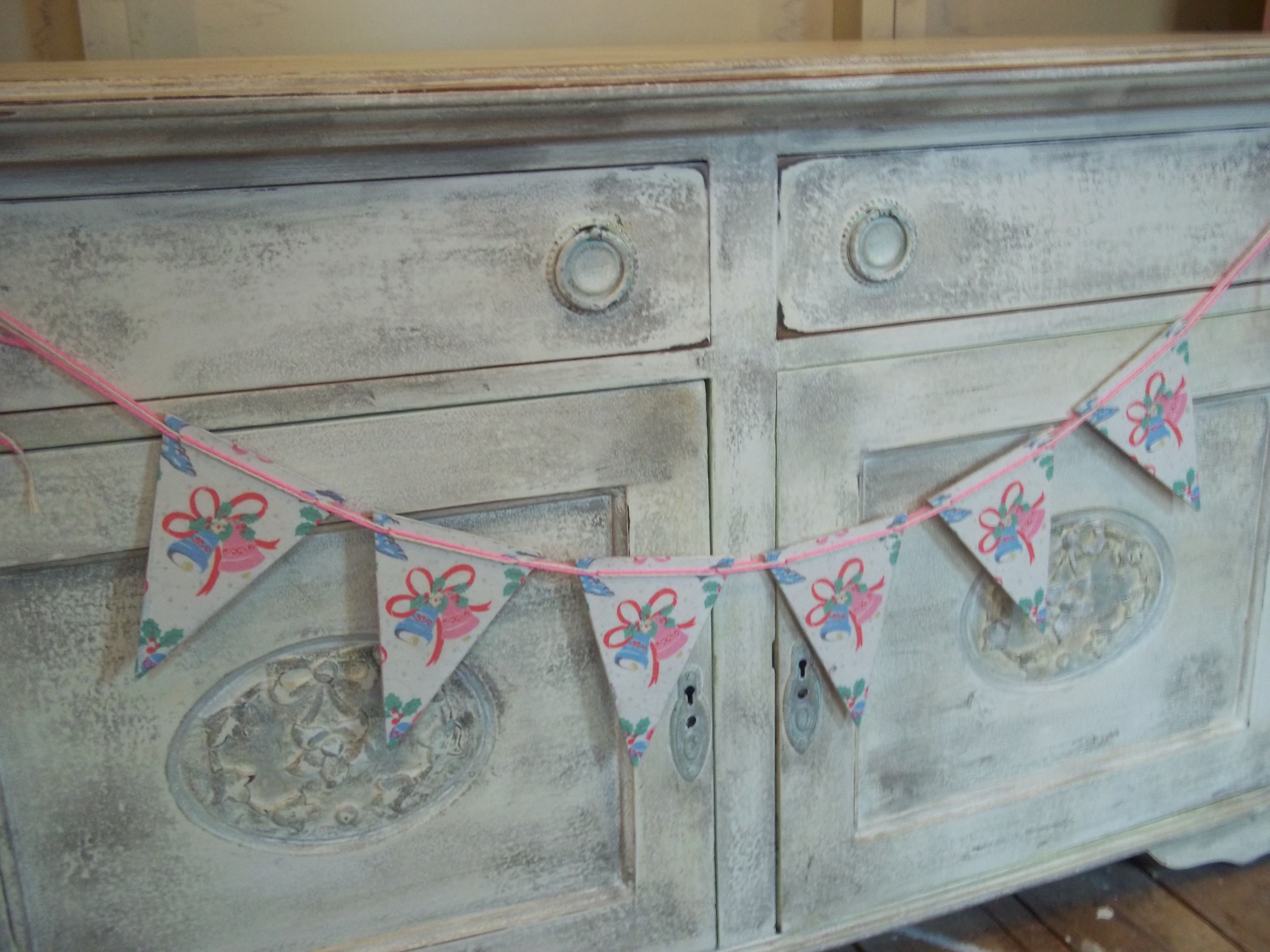 ~*~Christmas Bunting~*~  https://www.facebook.com/pages/Barbaras-Painted-Furniture/140352742678251
