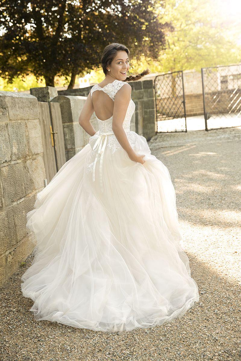 Kleemeier #Brautmode #Brautkleid #Hochzeitskleid #Bridal Man spührt ...