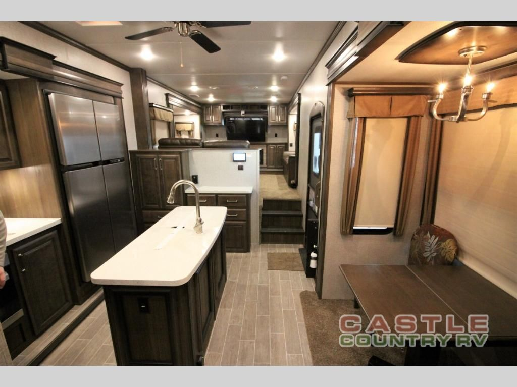 New 2019 Keystone Rv Alpine 3700fl Fifth Wheel At Castle Country
