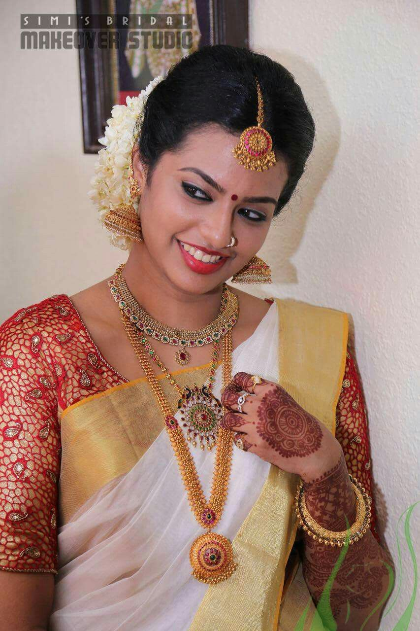 Kerala Bride in Simple Traditional Style Butterflies of
