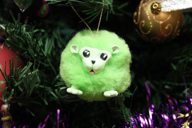 Pygmy Puff Ornament by tapestrymlp, via Flickr would like in a different color