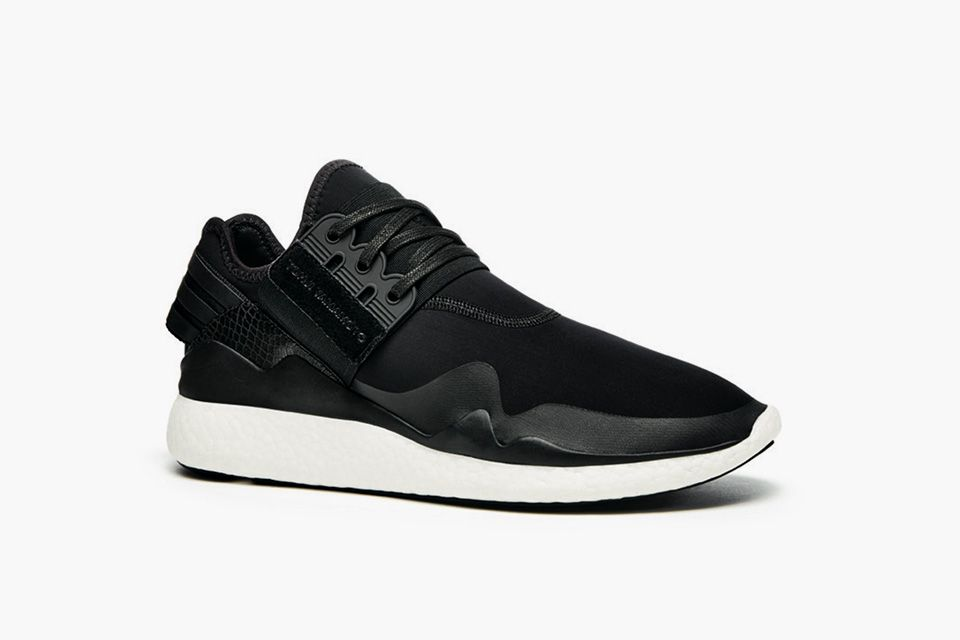 the best attitude 3aace 2add9 THE ADIDAS Y-3 RETRO BOOST IS BACK WITH THE BEST COLORWAY YET Now in a  simple black and white color with croc skin.  LaceMeUpNews