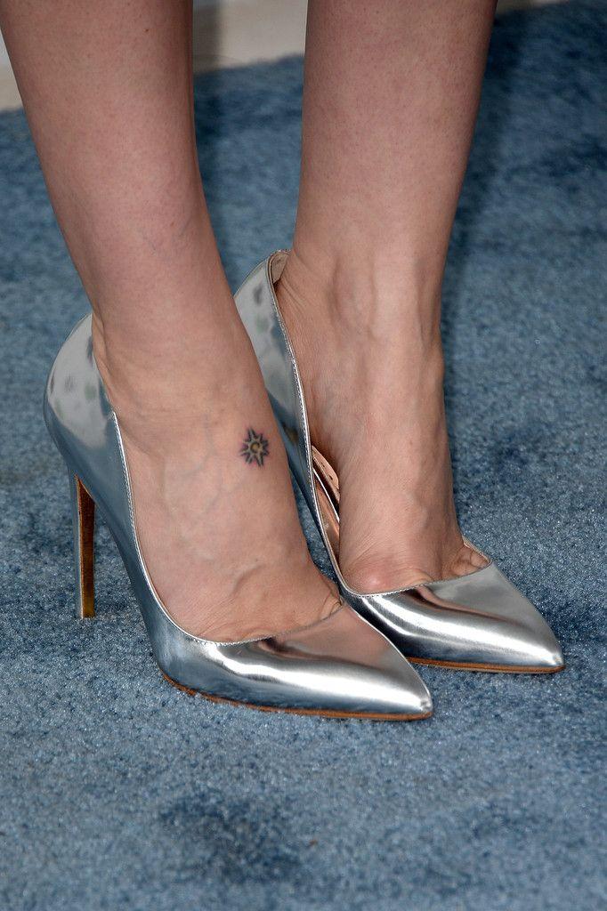 Actress Sarah Paulson (fashion detail) attends the 2014 Film Independent Spirit Awards at Santa Monica Beach on March 1, 2014 in Santa Monica, California.