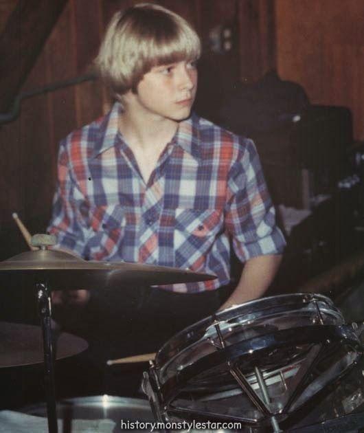 Luxueux Uniques images de la souche de Kurt Cobain et de son création à la fin des années 19et ...  #annees #cobain #creation #images #souche #uniques