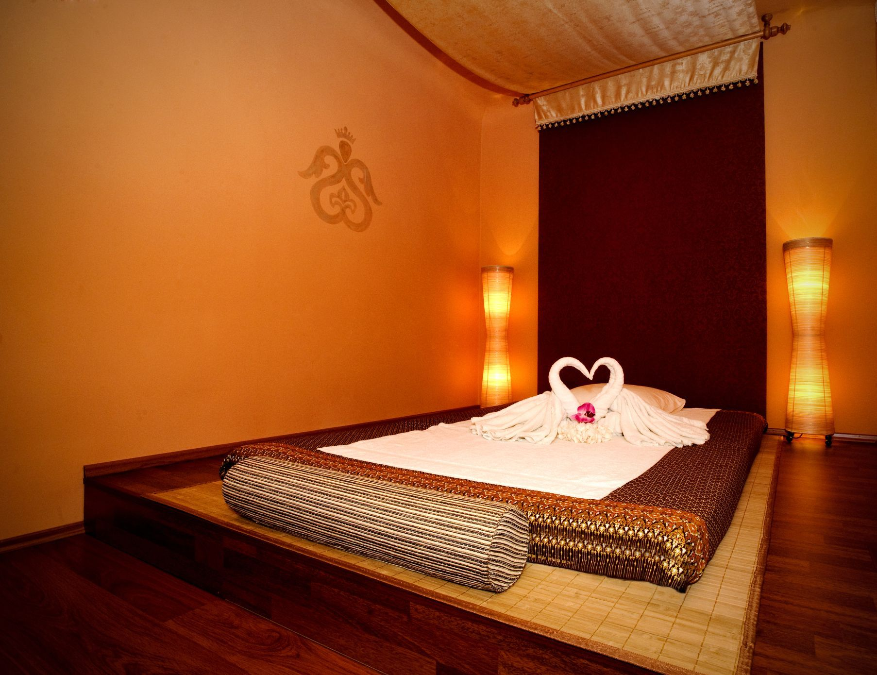 Salon De Massage Thai A Paris Bali Spa Interior Treatment Rooms Google Search