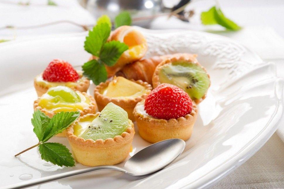 custard & fruit tart