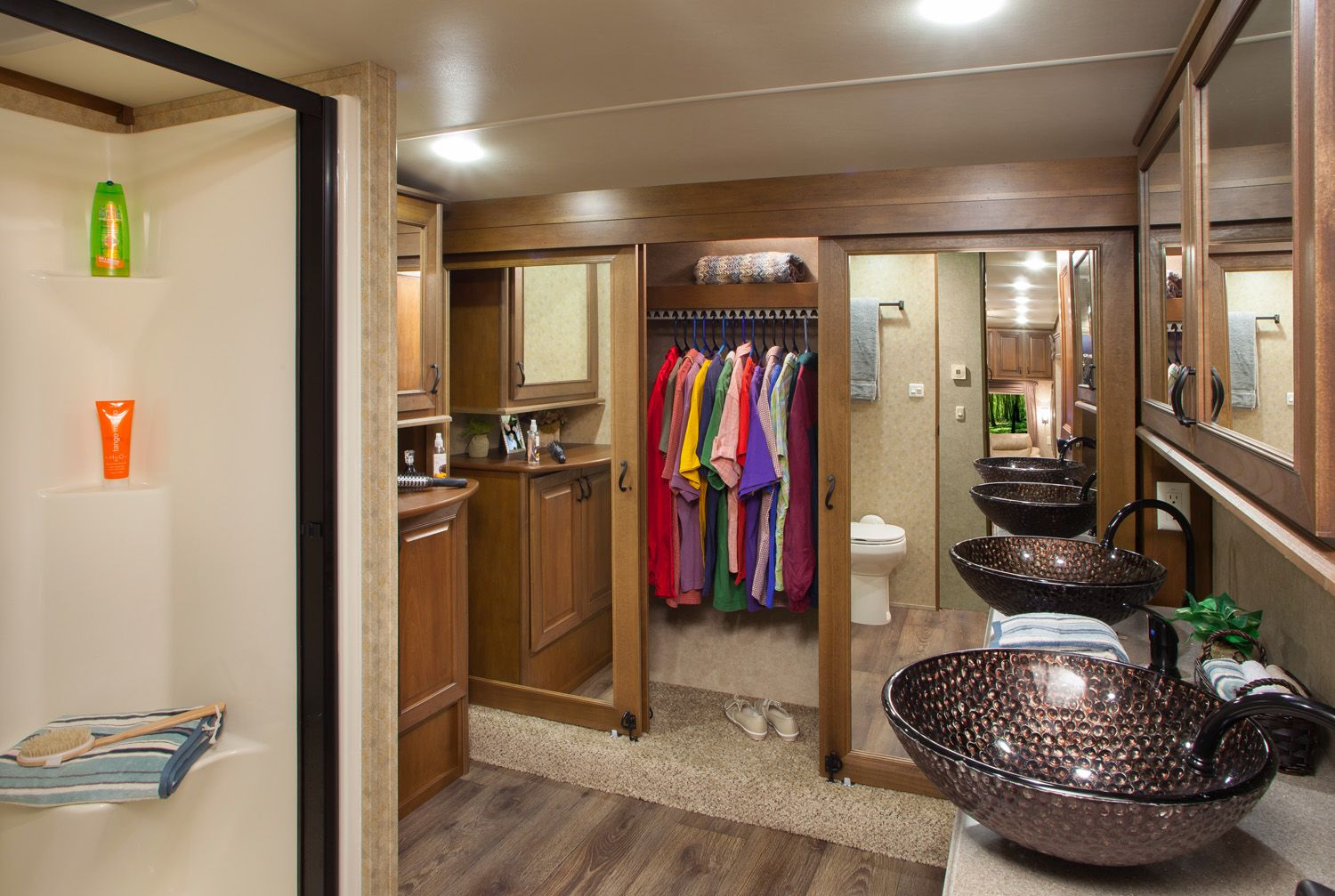 5Th Wheel 2 Bathroom Floor Plans  Fifthwheelcamperswithfront Unique Fifth Wheel Campers With Front Living Rooms Design Inspiration
