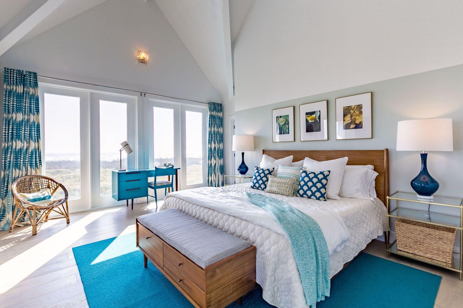 Teal, Turquoise And Aloe Beach House Bedroom. Modern Beach
