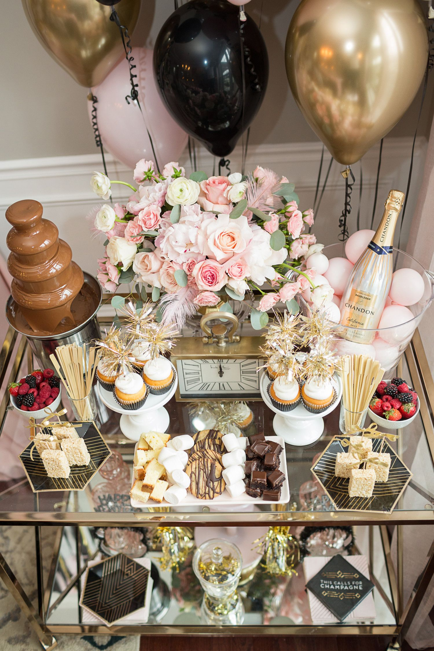 Glam Home New Year S Eve Party That Is Parent Kid Approved New Years Eve Dessert New Years Eve Party Ideas Decorations Eve Parties