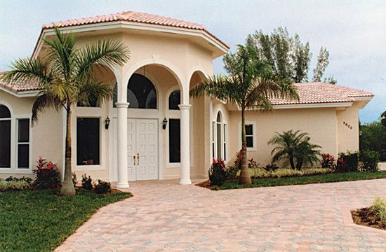 The Beauty Of Spanish Style Stucco Homes Or This On A Smaller - Stucco home style