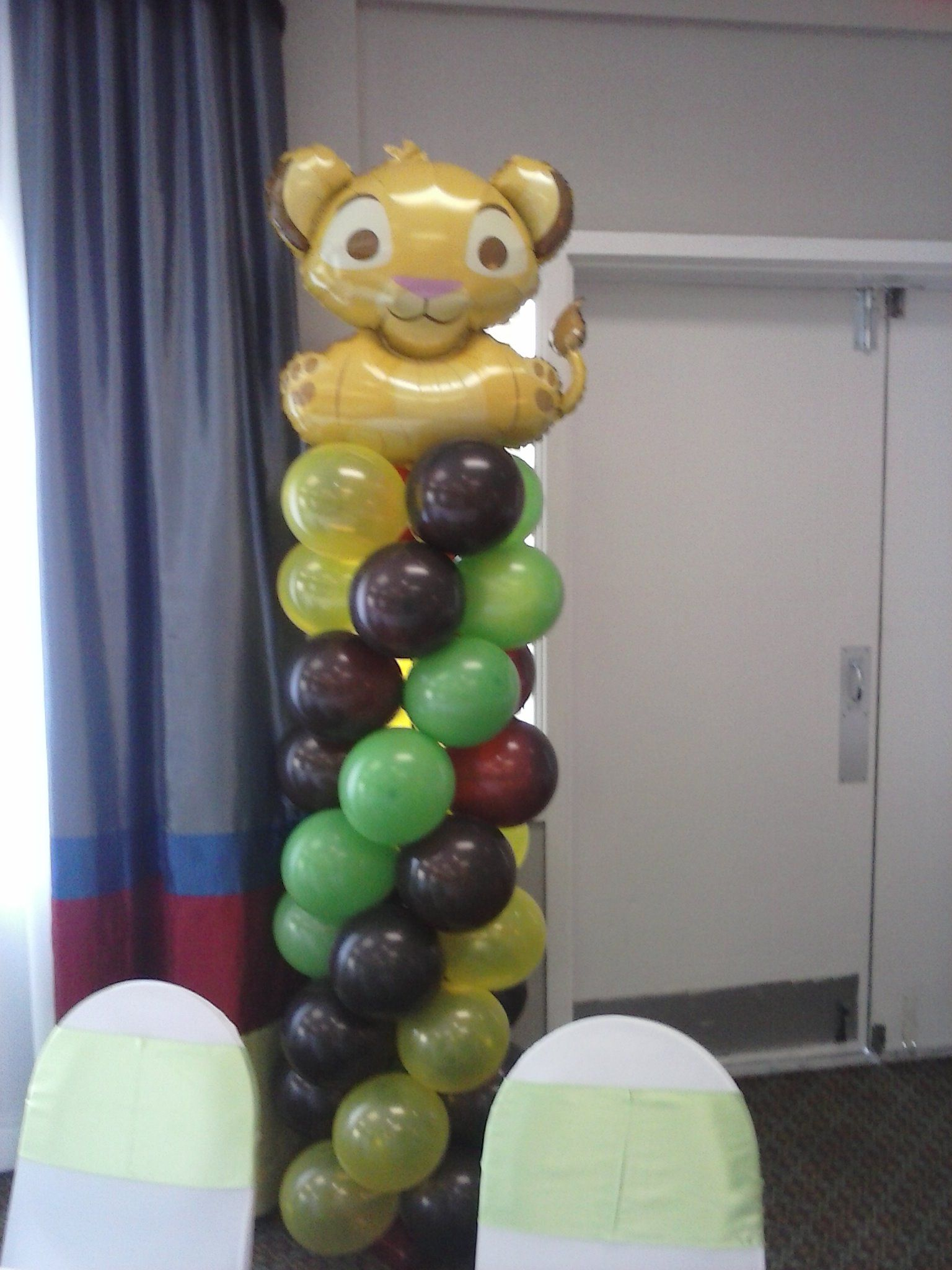 lion king balloon column balloon ideas pinterest