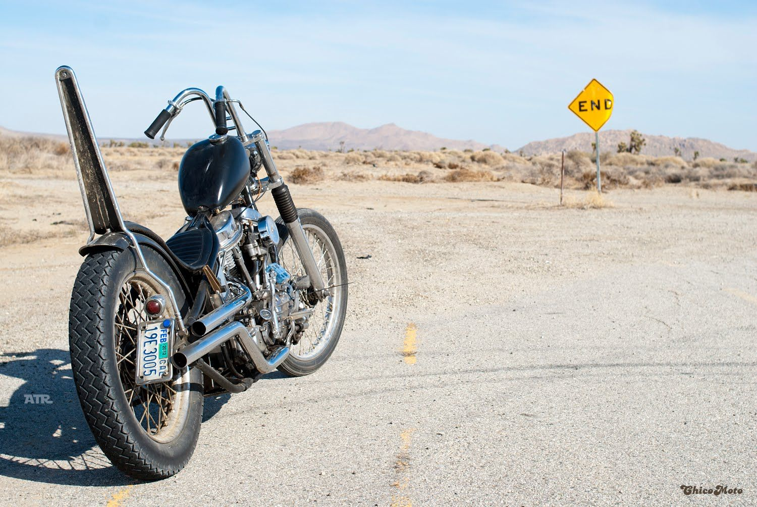 Pics wanted: Rabbit ear handlebars on a wide glide front end? - The