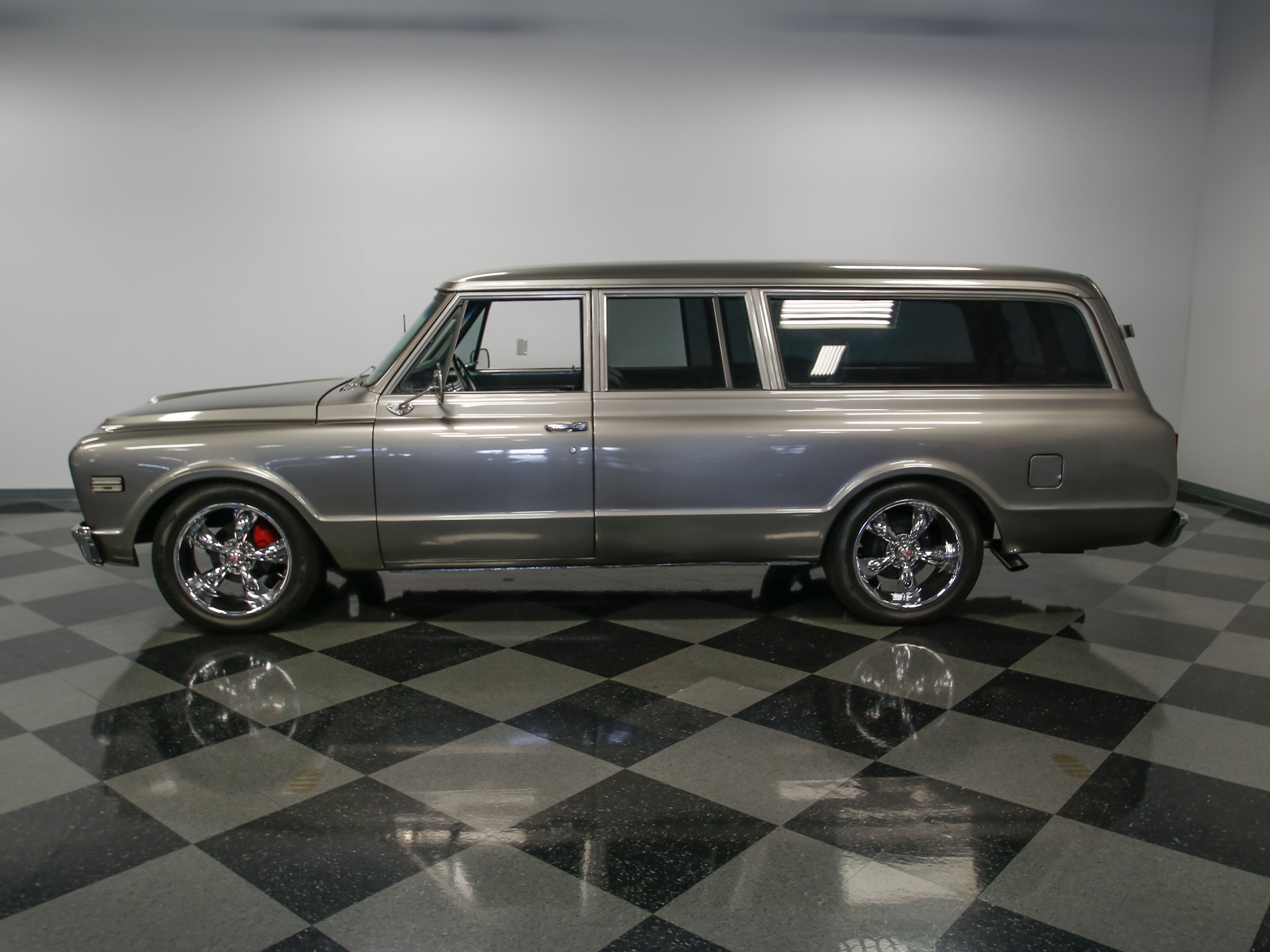 4346-CHA | 1967 Chevrolet Suburban | Streetside Classics | Trucks ...