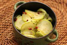 Experimente esta deliciosa salada de abobrinha