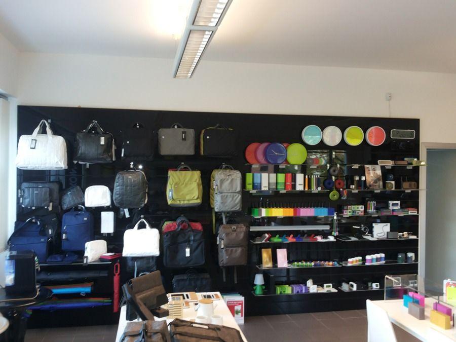 Arredamento Cartoleria ~ Guarapo show room cis di nola arredamento negozi pdesign