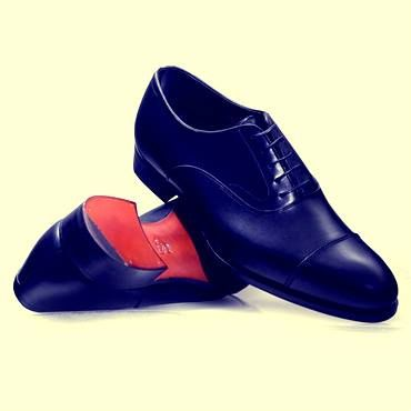 Style Tip from Alfred Sargent: Black Oxfords are the most formal men's shoes. Worn in the office with a pinstripe suit and with a morning coat at formal events. Too formal for a blazer. In brown they go well with tweed suits and sports jackets http://www.robertold.co.uk/products/alfred-sargent-shoes-118/alfred-sargent-as-armfield-black-oxford-1276.aspx