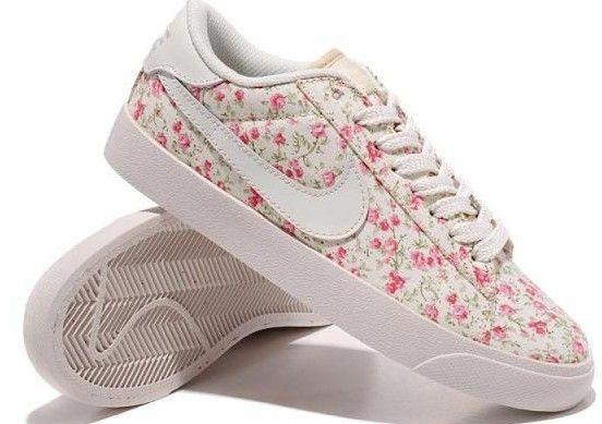 more photos 004b5 df5a3 Nike Blazer Femme Low 3s Casual Blanc Plum Flower HOT SALE! HOT PRICE!