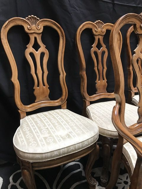 UNIQUE FURNITURE MAKERS SET OF SIX DINING CHAIRS, INCLUDING TWO CAPTAINu0027S  CHAIRS. THEY HAVE