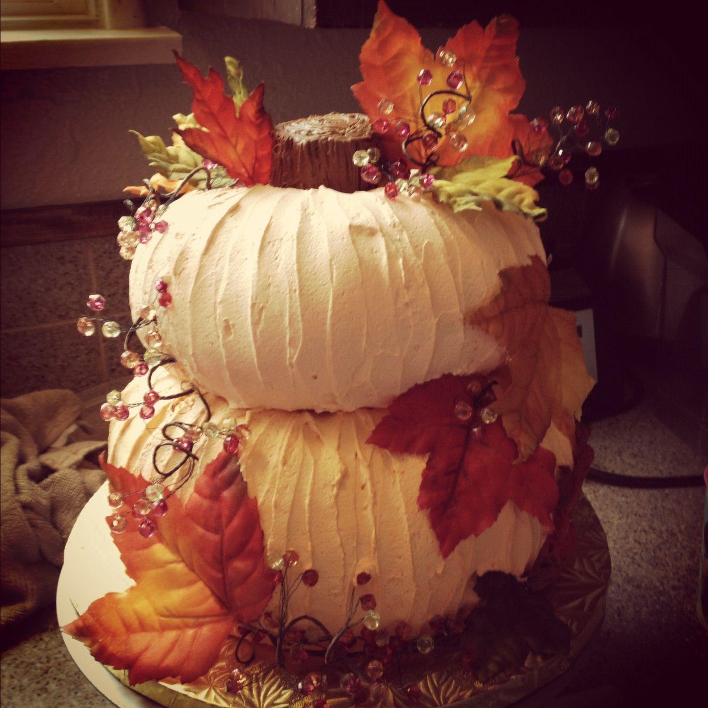 Fall Wedding Cakes Ideas: Fall Themed Pumpkin Bridal Shower Cake.