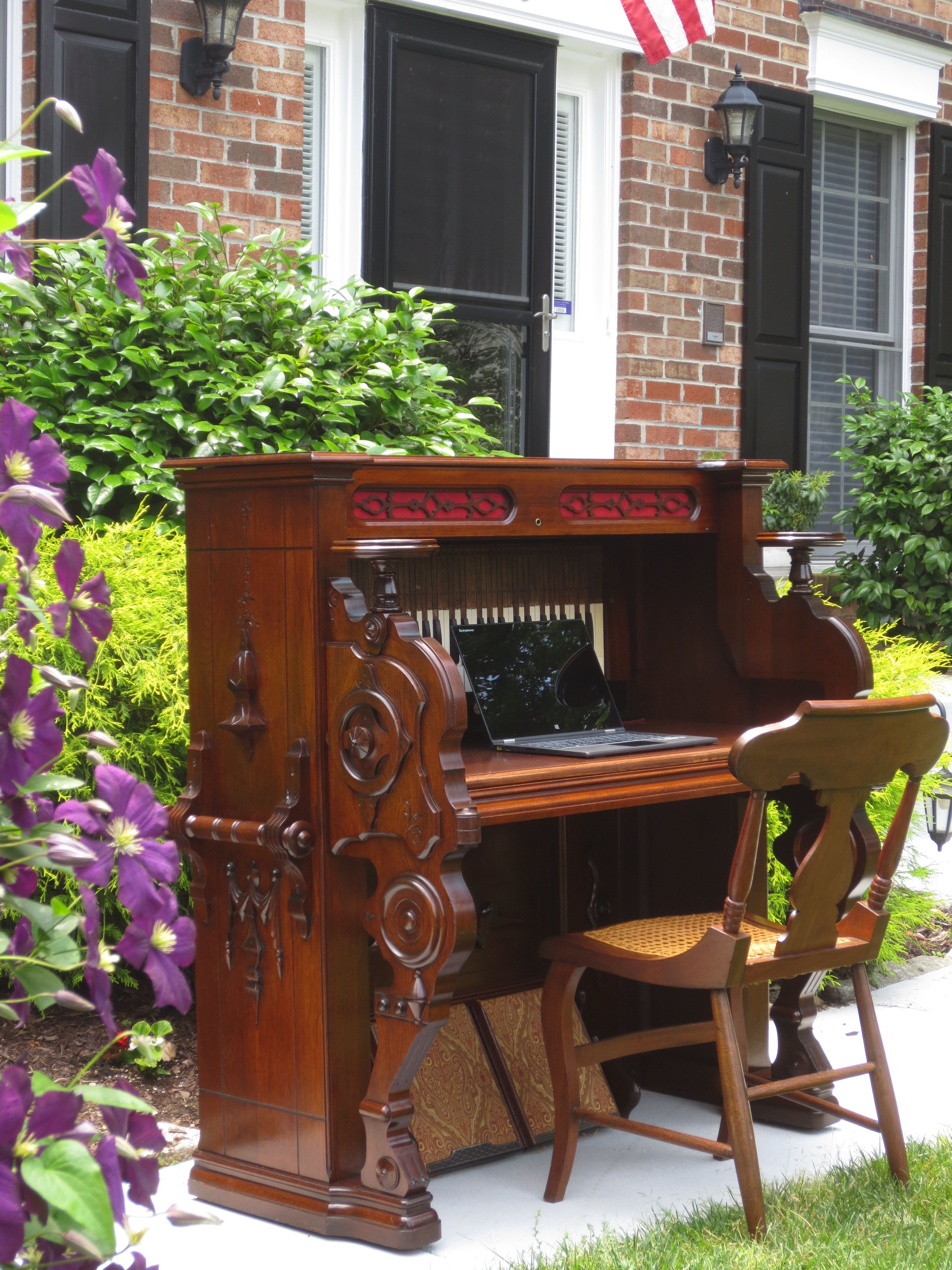 old pump organ converted to a desk note the pumps that look great left as they are pianos. Black Bedroom Furniture Sets. Home Design Ideas