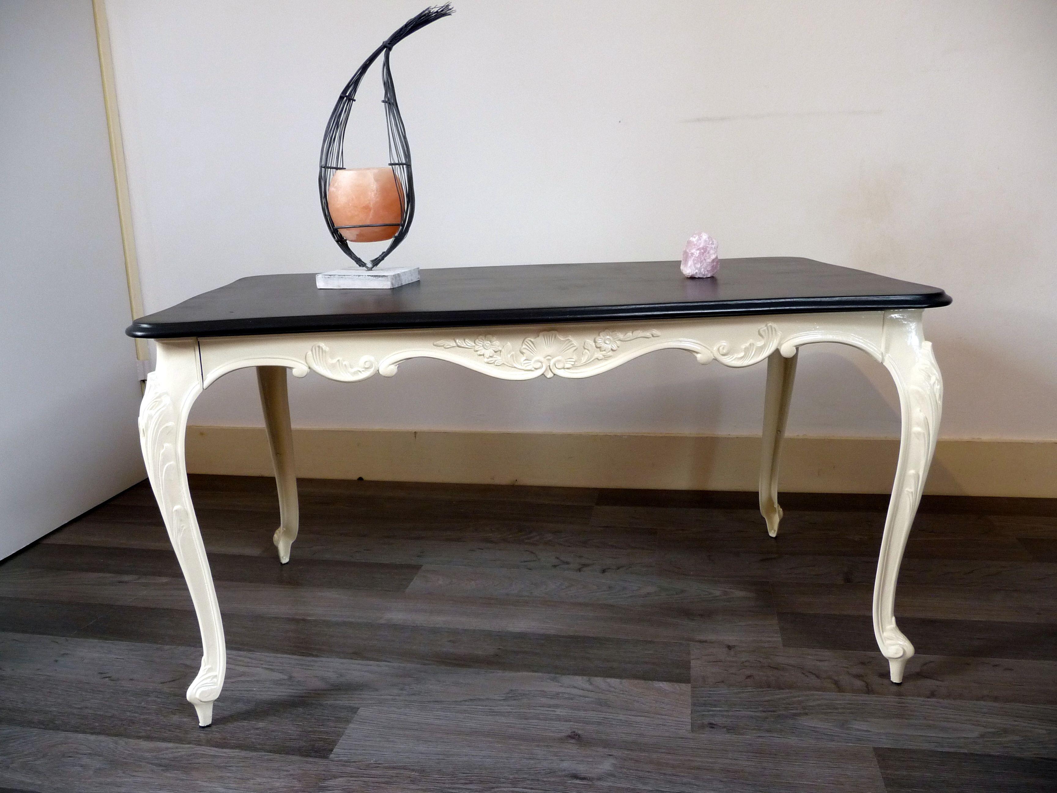 Élégante table de salon ou table d\'appoint en marbre et ...