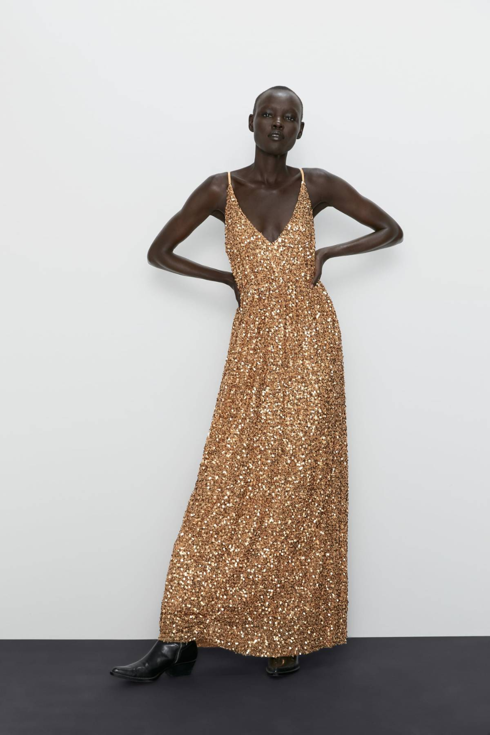 They Re Here The Best Zara Party Dresses Of 2019 In 2020 Sequin Dress Cute Dresses For Party Dresses