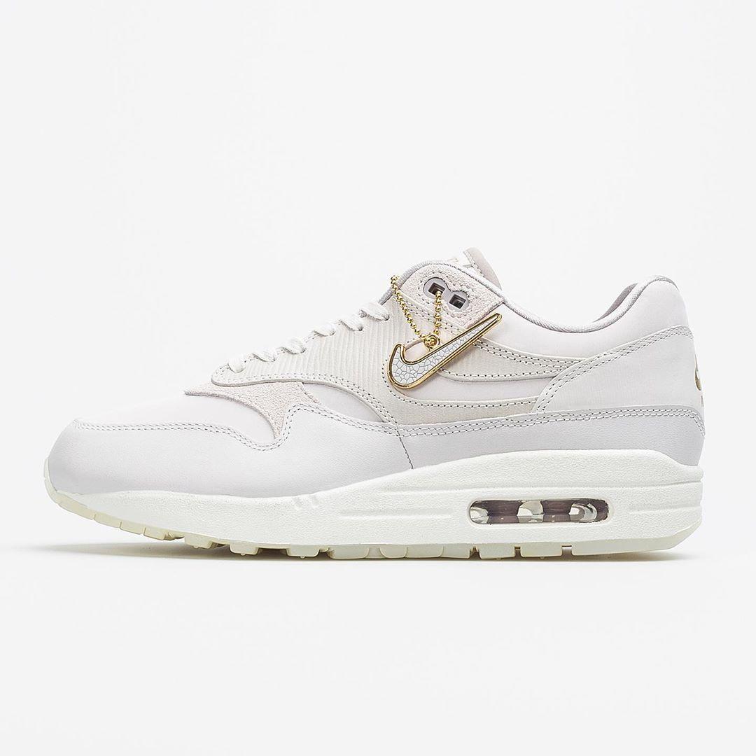 """Sneakersalert on Instagram: """"Nike air Max 1 EU36, 36,5, 37,5 ..."""
