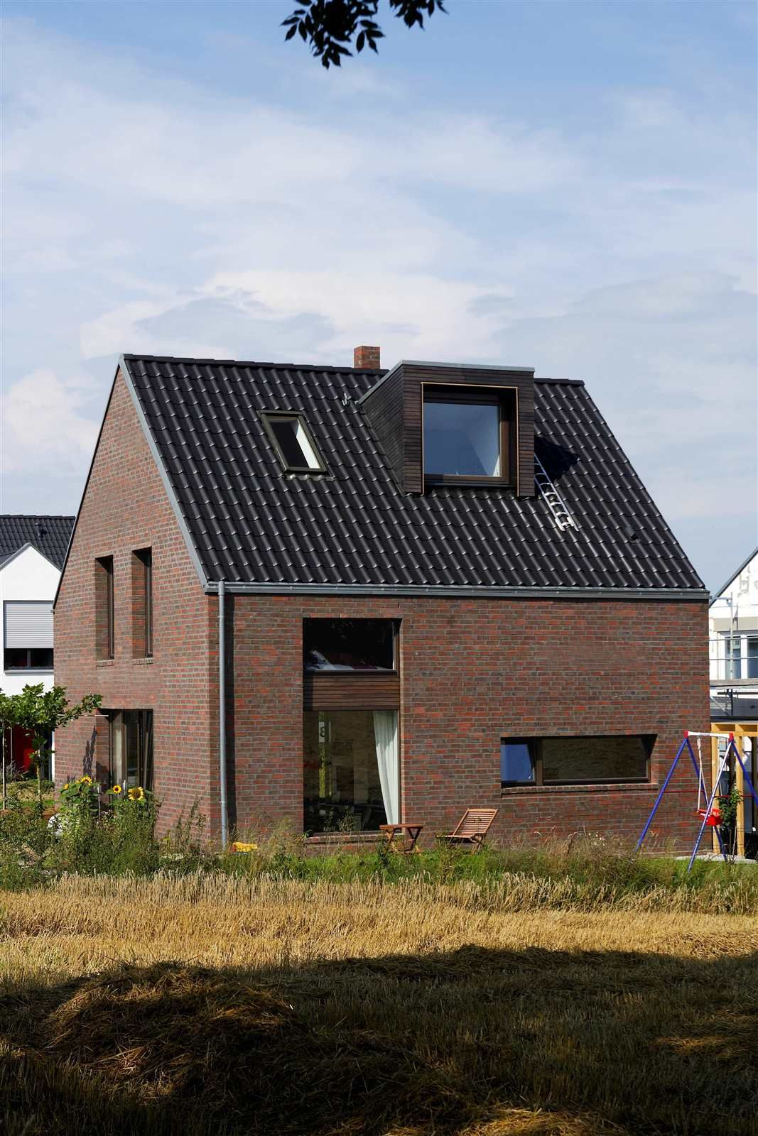Dachgaube Modern kompaktes ziegelhaus mit erdwärmepumpe neubau hausideen so