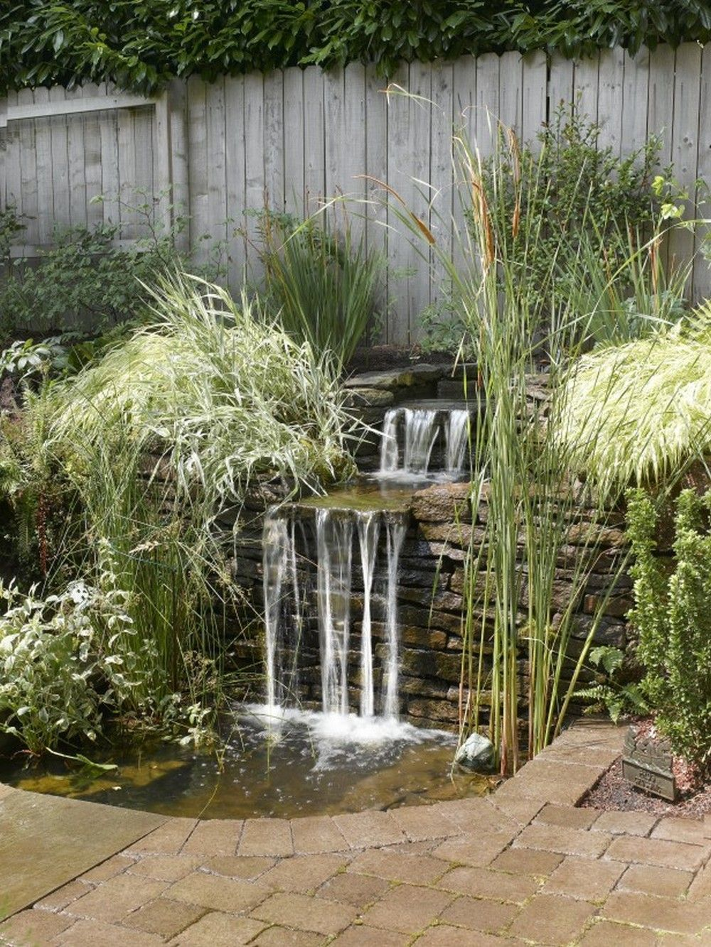 Diy Pond 30 Diy Garden Pond Waterfall For Your Back Yard Pond Waterfall