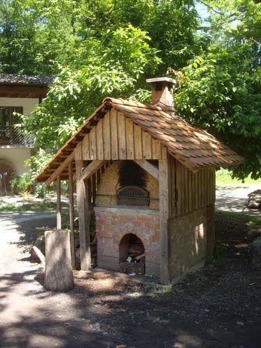 Cob Oven, Haus Des Waldes