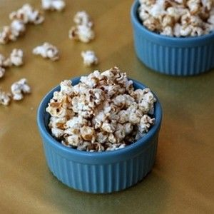 skinny girl maple caramel corn with coconut oil and maple syrup - recipe for only a few servings - add cinnamon - delish