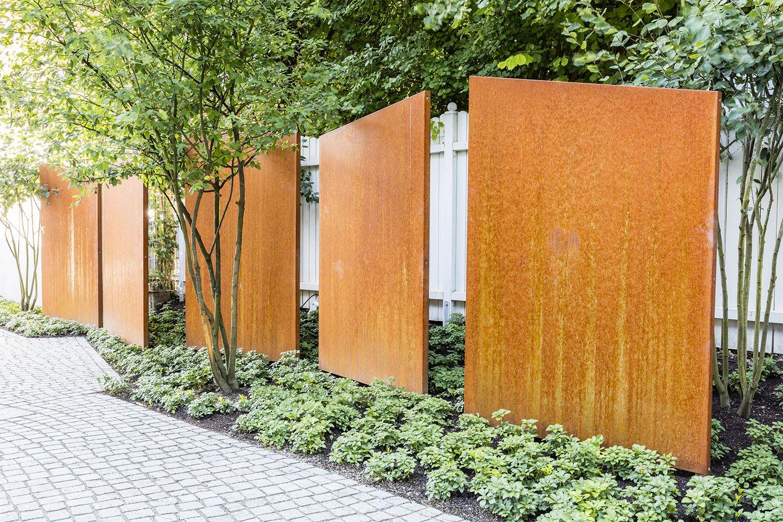 Landschaftsarchitekten München corten steel screen elements by hinnenthalschaar