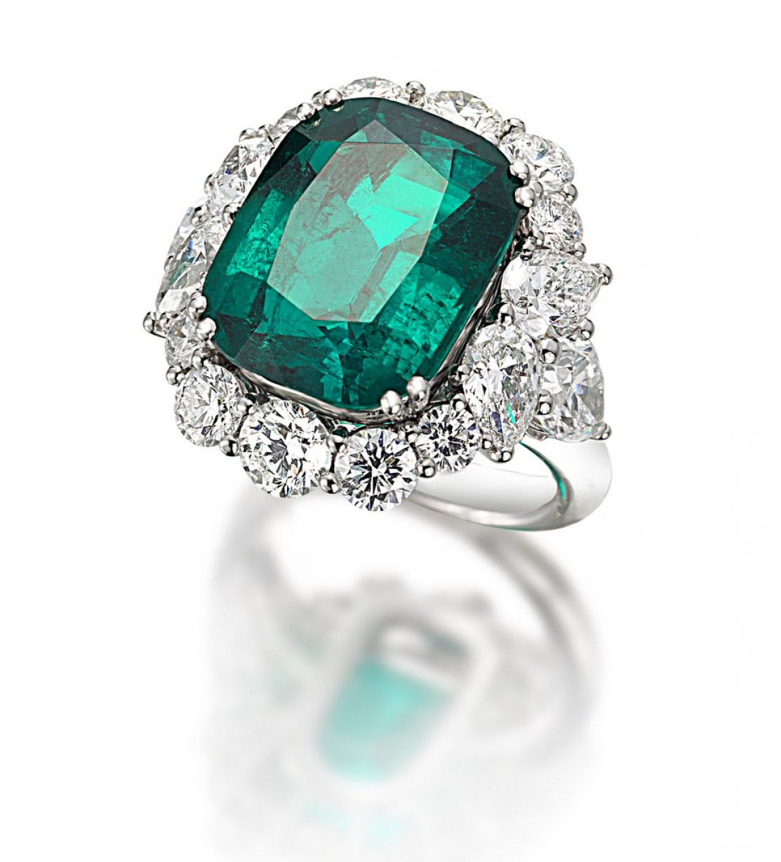 Most Beautiful Jewelry: Most Beautiful Emerald Rings From All Over ...