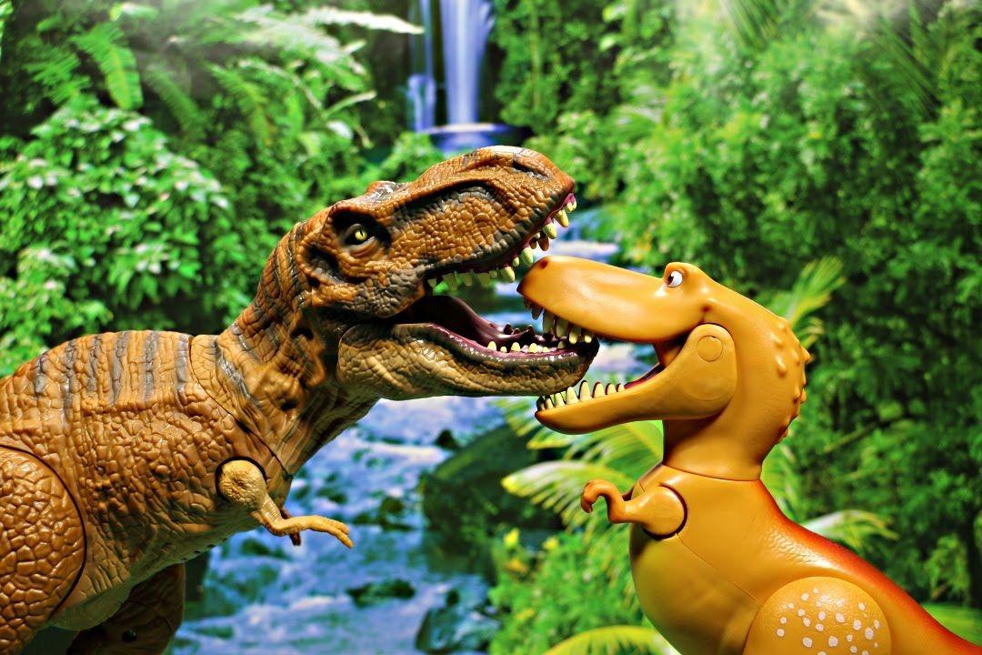 new disney the good dinosaur ramsey vs t rex from jurassic world